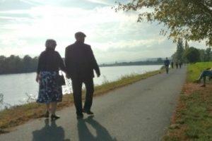 第二の人生を満喫する「中高年時代」の結婚